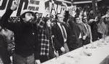 Entre Marcelo Rebelo de Sousa e Francisco Pinto Balsemão num comício do PPD em 1975.