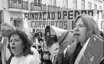 Em luta pelo direito à habitação, com os moradores de Chelas, em 2007
